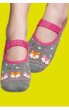 Calcetín antideslizante gris y rosa estampado gatitos