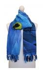 Foulard azul con estampa de guacamayo
