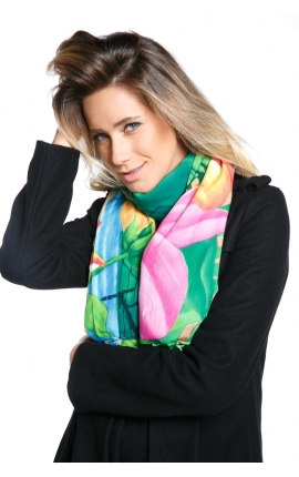 Multipurpose scarf decorated with cartoon motifs inspired by Arcos da Lapa